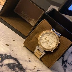 Michael Kors Women's Watch: gold and silver